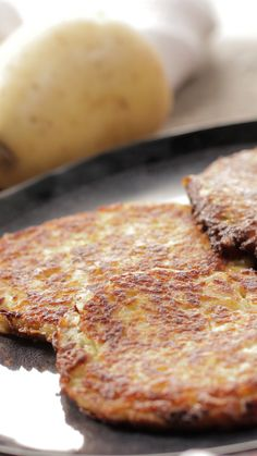 Rostis de pomme de terre - The Best Diet Recipes Vegetarian Recipes Videos, High Protein Vegetarian Recipes, Healthy Recipe Videos, Healthy Dinner Recipes, Low Carb Recipes, Easy Recipes, Crockpot, Food Videos, Carne