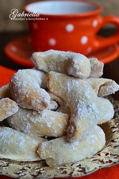 Gabriella kalandjai a konyhában :): Csodakifli - szilvalekvárral töltve Baked Ribs, Small Cake, Rib Recipes, Cookie Desserts, Churros, Sweet Life, Christmas Cookies, Biscuits, Caramel