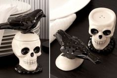 Skull & Crow Salt and Pepper Shakers! Buy them at the Link! Salt Pepper Shakers, Salt And Pepper, Kitchen Witch, Halloween Kitchen, Halloween Party, Gothic Kitchen, Halloween Skull, Goth Home, Skull Decor