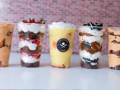Postres en vasos para vender - Yak Tutorial and Ideas Mini Desserts, Delicious Desserts, Dessert Shots, Cheesecake Cake, Trifle, Sweet Recipes, Catering, Food And Drink, Treats