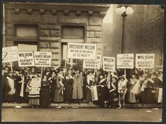 Suffragists demonstrating against Woodrow Wilson in Chicago, 1916.  Women of Protest: Photographs from the Records of the National Woman's Party, Library of Congress Manuscript Division.
