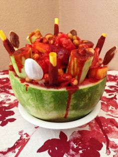 """""""Sandia Loca"""" My mouth is watering. Mexican Snacks, Mexican Appetizers, Mexican Dishes, Mexican Food Recipes, Snack Recipes, Cooking Recipes, Mexican Candy, Mexican Desserts, Fruit Recipes"""