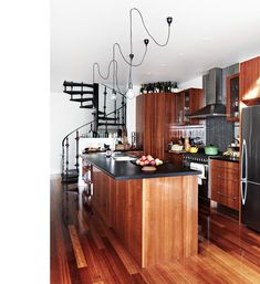 No small amount of kitchen envy here.  Armelle-kitchenvertical - TDF