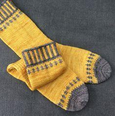 Free pattern Friday: Self-Important Socks