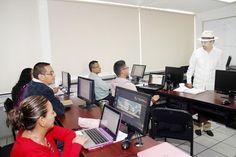 El rector Medardo Serna realizó un recorrido de supervisión para constatar que las actividades académicas se realizan con toda normalidad en las facultades y departamentos donde se ofrecen cursos sabatinos ...