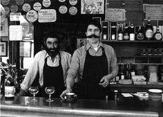 Robert Doisneau, Mélac, bistrot à vins, Paris 11e. Jacques Mélac (on the right).