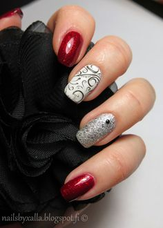 Christmas nails, China Glaze Ruby Pumps, Isadora Diamond Crush, Pueen stamping plate 26, stud