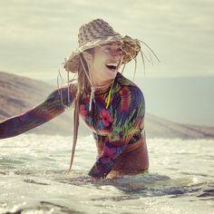 Me so happy ☺️ |: @frankiebees| @dakinegirls_surf @killcliff #DakineGirls #DakineSwim