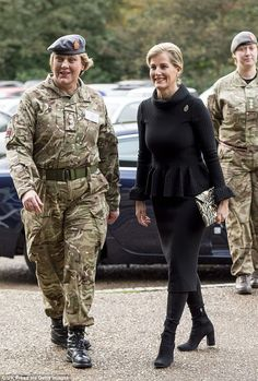 Sophie, Countess of Wessex in her role as Colonel in Chief, Queen Alexandra's Royal Army Nursing Corps attends a picture unveiling at Royal Military Academy Camberley on November 2016 in Camberley, England. Royal Military Academy Sandhurst, Countess Wessex, Louise Mountbatten, Viscount Severn, Lady Louise Windsor, Black Two Piece, Duchess Of Cornwall, Prince Edward, Looks Chic