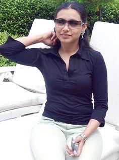 Slim Trim Rani Mukherjee – Coming Soon Aishwarya Rai Photo, Rani Mukerji, Celebrity Stars, Bollywood Photos, India People, Bollywood Actress Hot, Bicycle Girl, Most Beautiful Indian Actress, Indian Beauty Saree