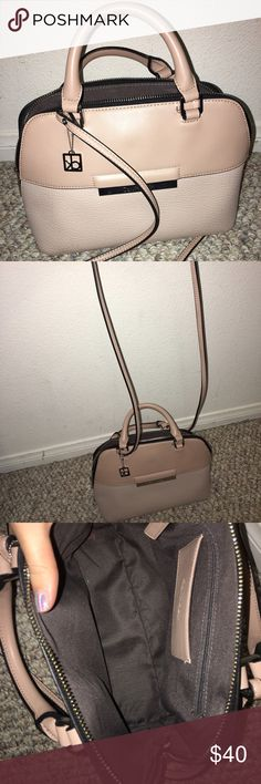 Calvin Klein purse Super cute Calvin Klein purse. Last seasons style bought only a few months ago. Barely been used. Still in GREAT condition. Practically looks brand new. Nothing wrong w/ it. Calvin Klein Bags Shoulder Bags