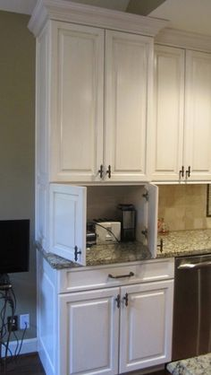 Kitchen Hide Appliances Design, Pictures, Remodel, Decor and Ideas - page 9 Kitchen Redo, New Kitchen, Kitchen Cabinets, Kitchen Appliances, Small Appliances, Kitchen Ideas, Bosch Appliances, Cream Cabinets, Retro Appliances