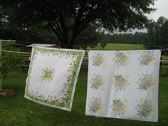 I HEART vintage tablecloths!