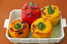 Gefüllte Paprika, vegetarisch, ein gutes Rezept aus der Kategorie Gemüse. Bewertungen: 50. Durchschnitt: Ø 4,3.
