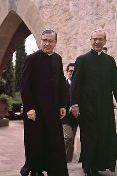 Álvaro del Portillo con san Josemaría (1972) | Flickr - Photo Sharing!