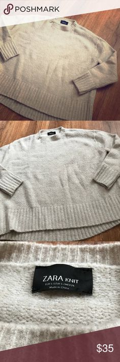 Zara oversized knit sweater Small  Oversized Knit sweater  Beautiful sweater Zara Sweaters Crew & Scoop Necks