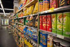 Sucres, pesticides, aliments transformés : manger devient-il dangereux pour la santé ? #alimentation #bio #pesticide Transformers, Organic Recipes, Food, Natural Kitchen, Organic Cooking, Eat, Essen, Meals, Yemek