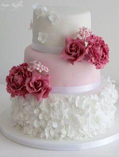 Wedding cake idea; Featured Cake: Sugar Ruffles #weddingcakes