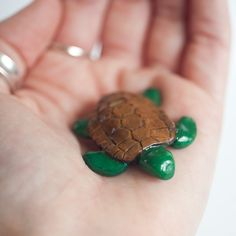 Le Sea Turtle Totem by le animalé - speaking of little miniature things...look at this sweet, little turtle.  :o)