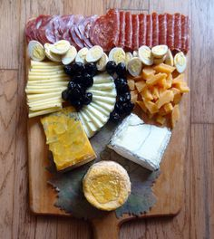 Mission Hills: Venissimo Cheese is stocked with cheeses from around the world, snacks, and samples. California Food, Southern California, Housewarming Food, San Diego Neighborhoods, Mission Hills, Park Restaurant, America's Finest, Cheese Platters, Antipasto