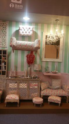 thème baroque d'été... Decoration, Baroque, Furniture, Home Decor, Home Decoration, Decor, Decoration Home, Room Decor, Home Furnishings