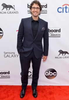 Singer Josh Groban was the epitome of geek-chic when arrived in a smart suit and specs at the 2014 Billboard Music Awards on May 18, 2014.