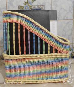 Поделка изделие 8 марта Плетение Короб под папки в офис Бумага газетная фото 1