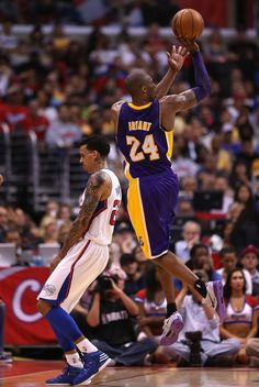 Kobe Bryant Photo - Los Angeles Lakers v Los Angeles Clippers