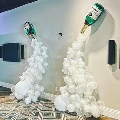 Double champagne balloon arch/ wall #balloonarch Double champagne balloon arch/ wall Wedding Balloon Decorations, Engagement Decorations, Balloon Centerpieces, Wedding Balloons, Bridal Shower Decorations, Diy Hot Air Balloons, Blowing Up Balloons, White Balloons, Confetti Balloons