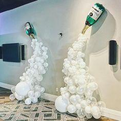 Double champagne balloon arch/ wall #balloonarch Double champagne balloon arch/ wall Wedding Balloon Decorations, Engagement Decorations, Balloon Centerpieces, Wedding Balloons, Diy Party Decorations, Diy Hot Air Balloons, Blowing Up Balloons, White Balloons, Confetti Balloons