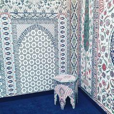 Jaw dropping digitally printed #wallpaper by #Iksel at Decorex * Wonderwall * The Inner Interiorista