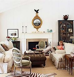 Love this furniture set up. foto: Roger Davies From Cottage Living ~~~`