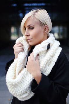 White alpaca wool snood | Knitted scarf | Infinity scarf | Chunky scarf | Shalf | Loop scarf | Hooded | Designer's scarf | Kotè design by KoteStudio on Etsy