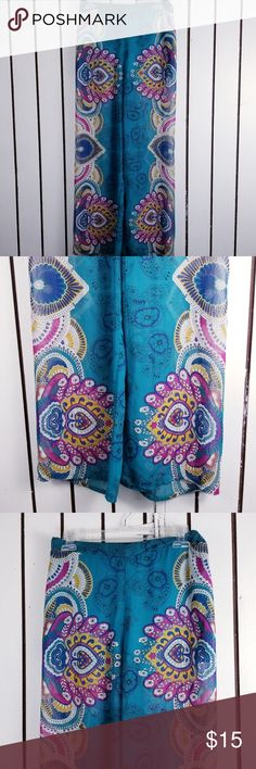 """Love Tree palazzo pants blue symmetrical print Waist:28 """" Inseams:30 """" Unless otherwise stated, all of my items are free from stains, rips or holes. All of my items are from smoke and pet free household Please feel free leave me any questions about my items love tree Pants Wide Leg"""