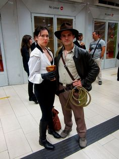 Elsa Schneider & Indiana Jones.