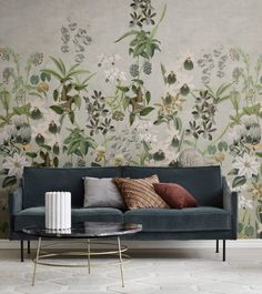 The green and blue hues in this lush leaf wallpaper harmonize while the red details add dynamism and excitement. Luxury Wallpaper, Wall Wallpaper, Designer Wallpaper, Feature Wallpaper, Chinoiserie Wallpaper, Bedroom Wallpaper, Wallpaper Online, Wallpaper Ideas, Flora Und Fauna