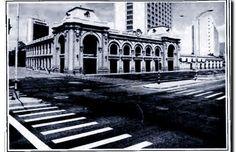 Hace 25 años 1992 La Estación Medellín del Ferrocarril de Antioquia recibió Premio Nacional de Restauración Louvre, America, Building, Travel, Ancient Architecture, Medellin Colombia, Guayaquil, Parking Lot, Door Prizes