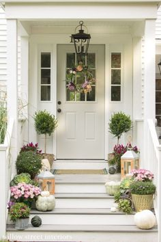 47 Fancy Farmhouse Fall Porch Decor And Design Ideas. awesome 47 Fancy Farmhouse Fall Porch Decor And Design Ideas. Decorating my front porch farmhouse is just one of my favourite things to do! Front Door Entrance, Front Entrances, Front Door Decor, Front Doors, Front Porch Decorations, Portico Entry, Front Door Porch, Porch Roof, Home Porch