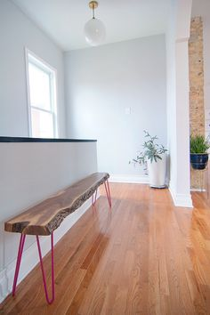 Slab wood bench - pink legs