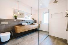 Badkamer met inloopdouche en inbouwkast badkamer inspiratie in
