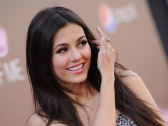 Actress Brunettes Celebrity Faces Victoria Justice Wo