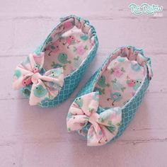 Cute Baby Shoes, Baby Girl Shoes, Girls Shoes, Baby Shoes Pattern, Shoe Pattern, Girl Dolls, Baby Dolls, Baby Sewing, Sewing Diy