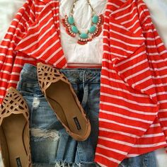 Pretty spring outfit.