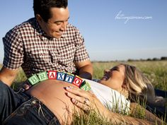 adorable photo op for a maternity session...