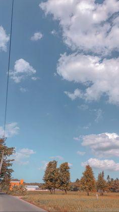 Blue Sky Wallpaper, Cityscape Wallpaper, Cute Fall Wallpaper, Scenery Wallpaper, Wallpaper Backgrounds, Galaxy Wallpaper, Nature Wallpaper, Iphone Wallpaper Tumblr Aesthetic, Tumblr Wallpaper