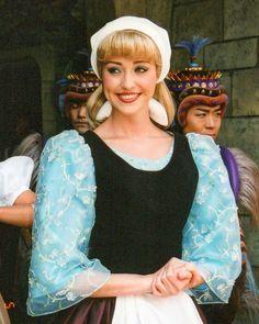 Disney World Characters, Disney Films, Disney And Dreamworks, Disney Parks, Walt Disney, Cinderella Cosplay, Cinderella Movie, Cinderella Dresses, Pocket Princesses