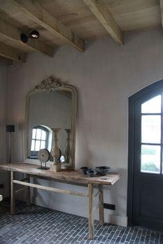 Leuk idee voor de hal, met kleiner bankje ❤️ Decor, House Design, Interior Inspiration, Interior, Rustic Living, Zen Design, Home Decor, Home N Decor, Interior Decorating