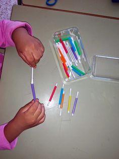 30 Montessori activities for toddlers - Aluno On Montessori Toddler, Montessori Trays, Montessori Activities, Toddler Learning, Preschool Learning, Infant Activities, Preschool Activities, Straw Activities, Preschool Special Education