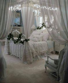 Beautiful Shabby Chic Bedroom!