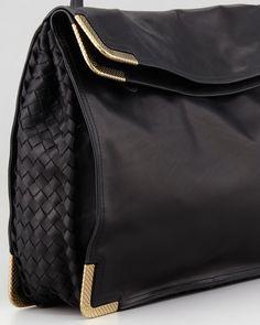 Bottega Veneta Large Waxy Corner-Plate Shoulder Bag e47b88a6fc4e0